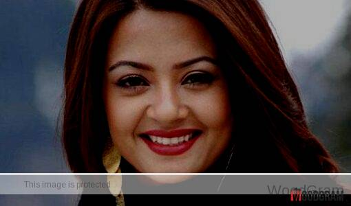 Pictures of Surveen Chawla