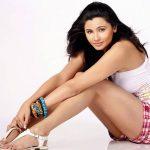 Daisy Shah Hot Pic