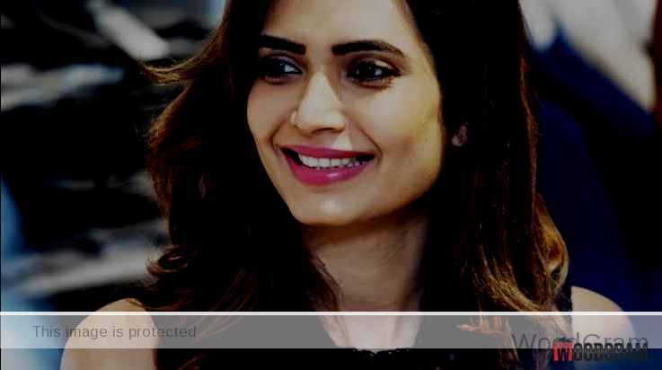 karishma tanna beautiful photo