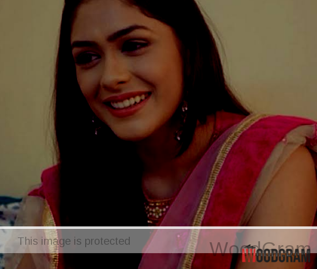 mrunal thakur cute photo