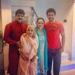 Aditya Narayan Family - Father, Mother, And Grandmother