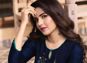Jasmin Bhasin Biography