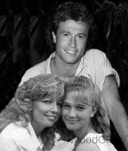 Andy Gibb With Wife And Daughter
