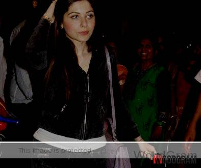 Kanika Kapoor Hot