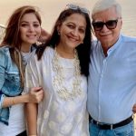 Kanika Kapoor With Grand Parents