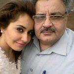 Rashi Khanna Father