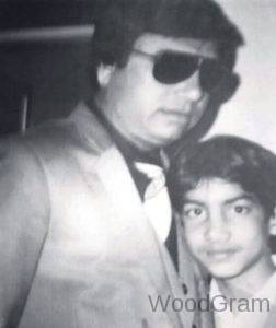 Amit-Ravindernath-Sharma-With-Father-In-Childhood