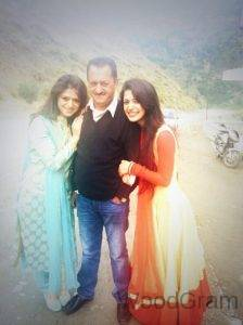 Charlie Chauhan With Father And Sister