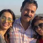 Heena Panchal With Her Father Mahendra Panchal And Sister Deepali Panchal