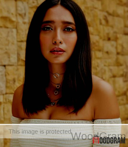 Hot Sayani Gupta