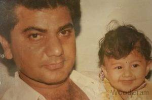 Jasleen Matharu Childhood Pic With Her Father