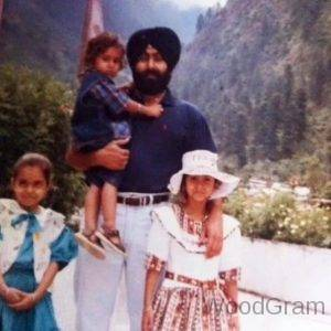 Rohanpreet Singh With Father And Sisters