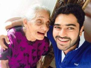Shine-Shetty-With-His-Old-Age-Grandmother