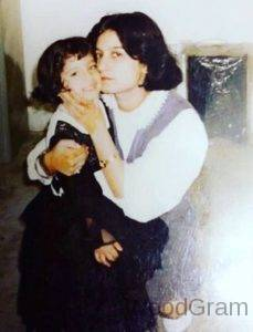 Shiny Dixit Childhood Photo With Mother