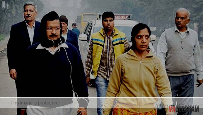 Sunita Kejriwal With Husband Arvind Kejriwal
