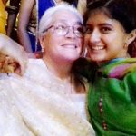 Arishfa Khan With Her Grandmother