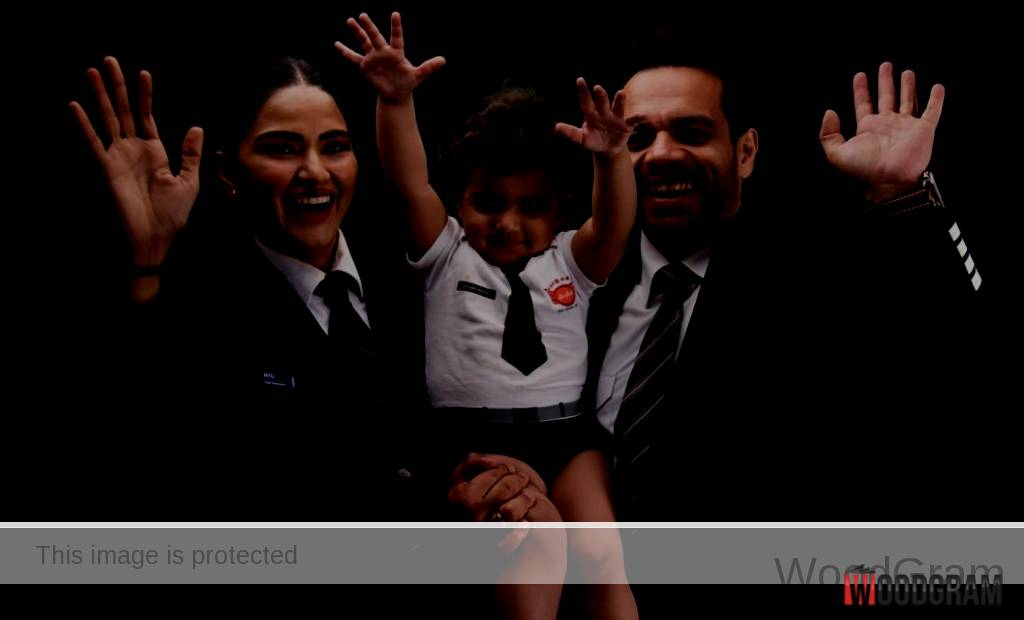 Gaurav Taneja With His Wife Ritu And Daughter Rasbhari