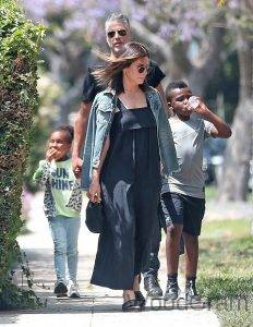 Sandra Bullock With Husband And Two Adopted Children - Son And Daughter