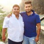 Rishabh Pant Father