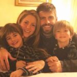 Gerard Pique With His Girlfriend Shakira And Sons