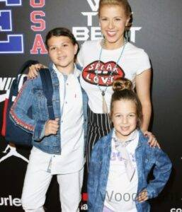 Jodie Sweetin with her kids