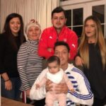 Mesut Ozil Old Family Photo With His Mother, Brother And Sisters