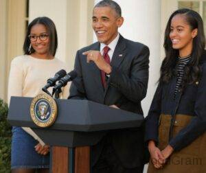 Barack Obama with his daughters