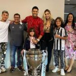 Hulk (Footballer) With His Family- Father, Mother, Wife And Children
